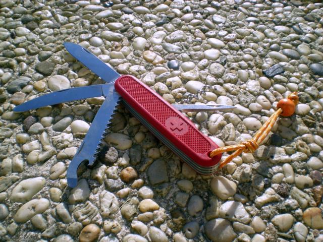 Petit comparatif de trois modèle de Victorinox Dscn6478-3698bab