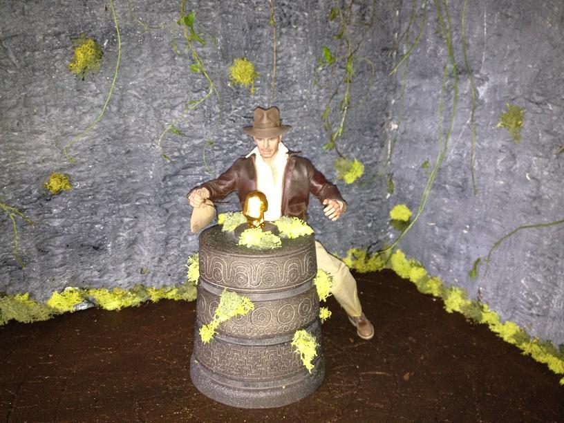 Diorama Indiana Jones Hot Toys ( Terminé ) Img_0358-36ac139